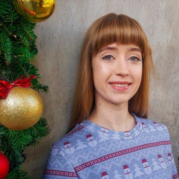Świąteczna bluza w bałwanki
