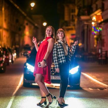Kobiecy żakiet w stylu Chanel – nocny plener fotograficzny