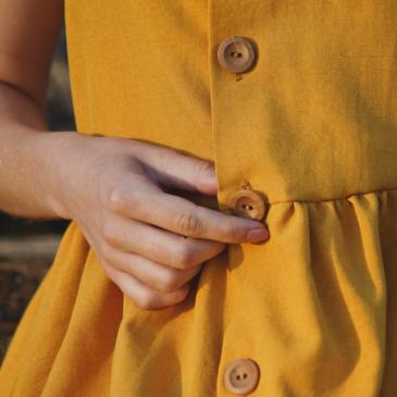 Lawendowa sesja w wakacyjnej, lnianej sukience
